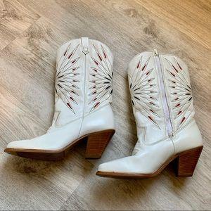 Dingo White Starburst Heeled Boots, Size 6